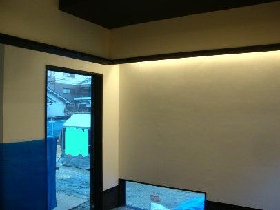 「カフェ・古民家の様な部屋」にリフォームしてくつろぐ♪珪藻土・漆喰で 塗り壁施工。