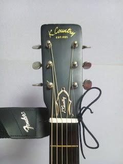 アコースティックギターのストラップの付け方|筑紫野市二日市のギター・ベース・ウクレレ教室|二日市ミュージックスクール