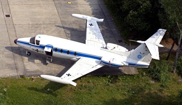 前進翼 HFB 320 ハンザジェット ...