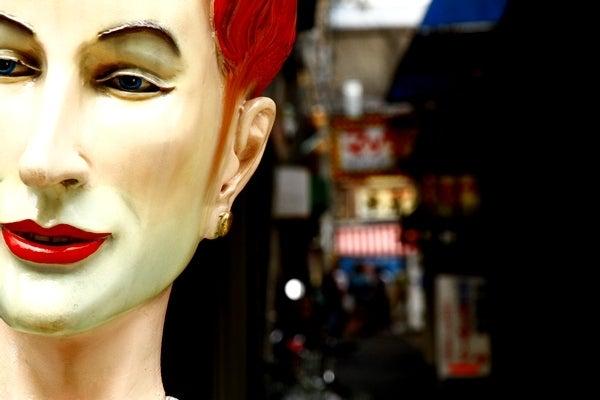 ねこの手も借りずに ~筆文字と写真の日々~-朝方の歌舞伎町