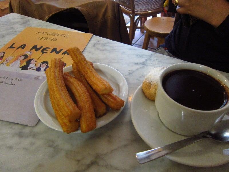 チュロスとホットチョコレート   ¡HOLA! バルセロナ