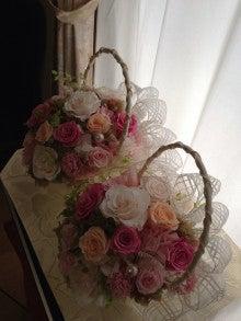 $Arco iris-結婚式でのバスケットブーケ