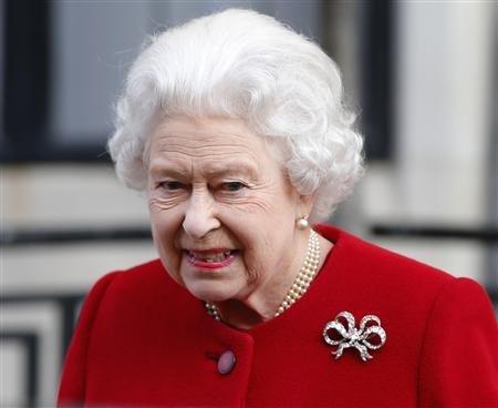 エリザベス 女王 逮捕 エリザベス女王やローマ法王が悪魔崇拝者で子供を殺してたというのは...