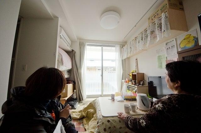 中島みゆき(記者)です。-2012年3月、女川町の野球場仮設で