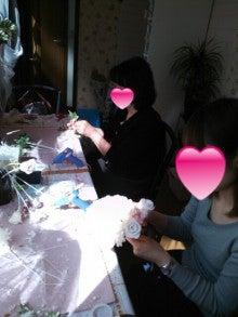 立川 フラワー教室 お好きなお花でアレンジしてインテリアや贈り物に アトリエクリスタルローズ-お教室の様子