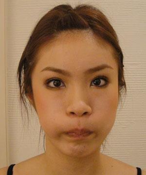 小顔づくりの秘訣!! 表情筋エクササイズ