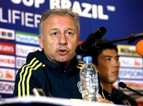 ザッケローニ監督 サッカー 日本代表 ヨルダン 最終予選 海外組