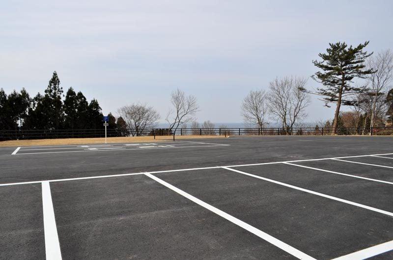 $白神山地ツアーの白神なびスタッフブログ-秋田県八峰町のJR五能線撮影スポット駐車場1