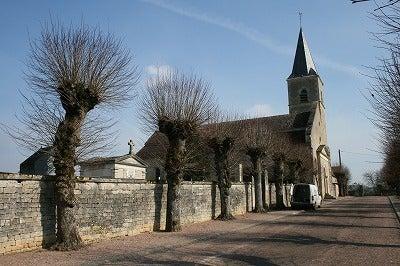 $フランスの田舎暮らし-ブレーヴの村の教会