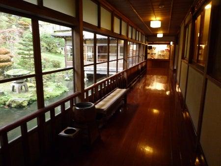 旅行の相談・案内役@遊寝食男のブログ-向瀧廊下