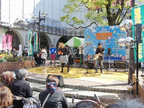 蒲田行進曲フェスタでバンド