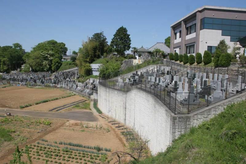 小川城/宝清寺の南側