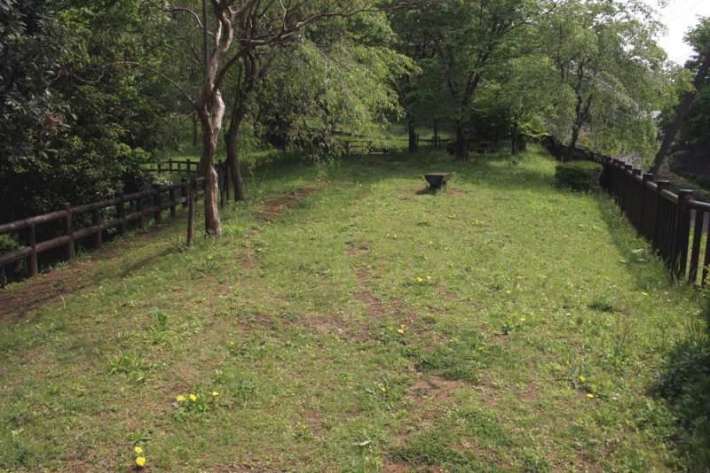 小田屋敷/松木台公園脇の公園