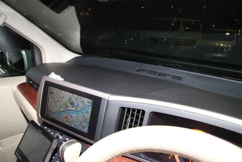 クルマはおもちゃのブログ-E51 エルグランド GPS ダッシュボード 移設 完成