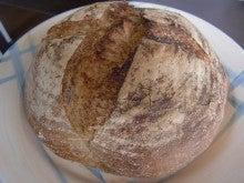 新島 天然酵母&国産小麦のパン屋                                     'Poco a Poco' ポコアポコ-カンパーニュ