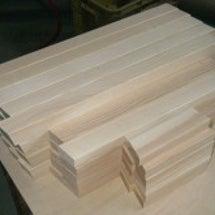 木製スツールの部材