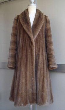 大木毛皮店工場長の毛皮修理リフォーム-毛皮 ミンクのコート リフォーム