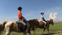 モンゴルで働くジャーナリストのblog-天の川 バヤンツォグト ウォシュレット 乗馬