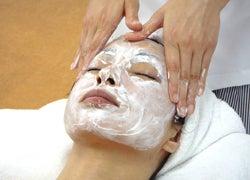 梅田 小顔と美肌☆キレイと健康を応援するアロマサロン♪レジュール-点滴栄養マスクでマッサージ