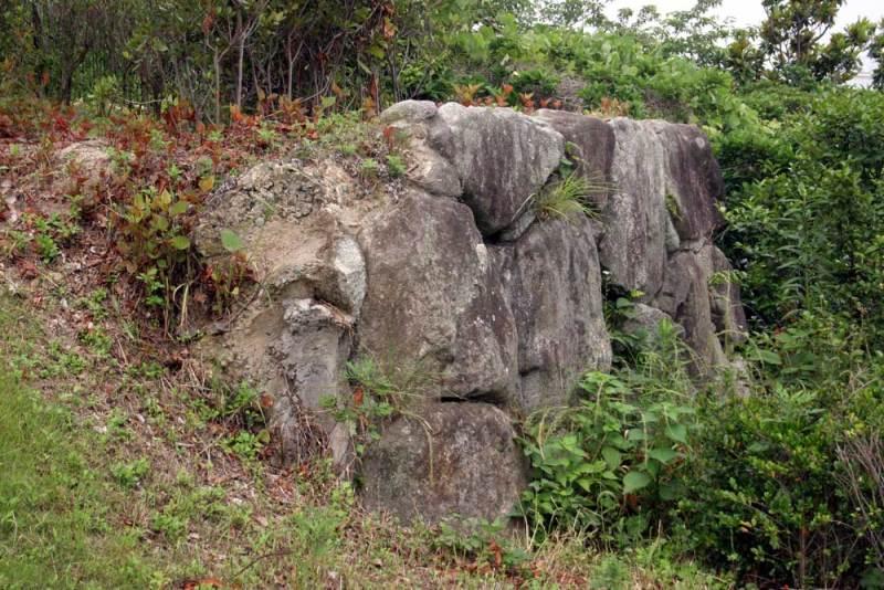 名島城/隅櫓跡にある石垣