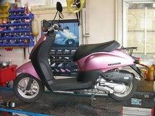 町の小さなバイク屋