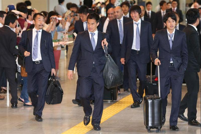 岡崎慎司 内田篤人 サッカー日本代表 帰国 ブラジル コンフェデレーションズカップ 選手