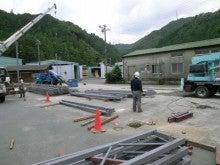 テント倉庫の鉄骨組み立て工事を行ってきました。