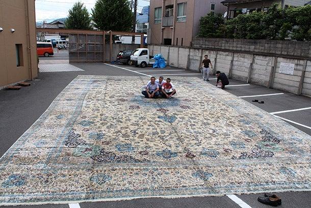 週刊イスファハンカーペット-100平米の絨毯
