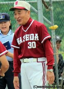 $早スポオフィシャルブログ「ただいま取材中!」-ソフトボール部の指揮を執る吉村監督