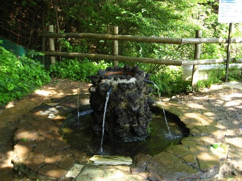 護摩屋敷の水