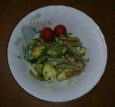 豆腐の Cooking Life-ズッキーニとベーコンのバジルソース炒め