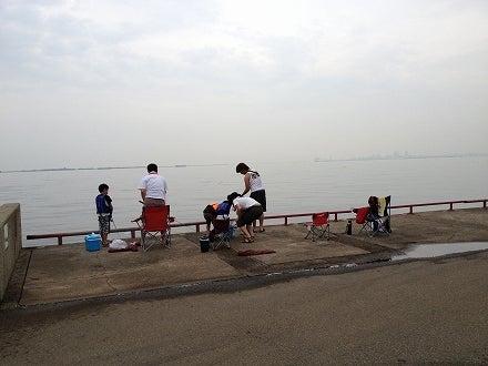 鳴尾浜海釣り公園