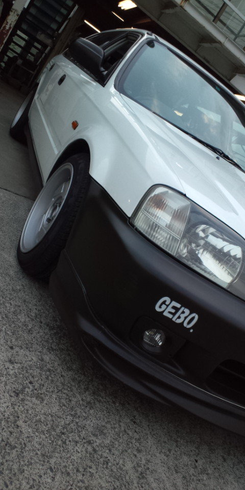 絶版・特殊車両を専門とするGEBO(ゲーボ)です。