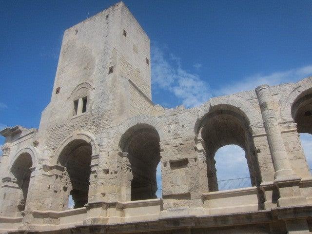 世界遺産 アルルのローマ遺跡と...