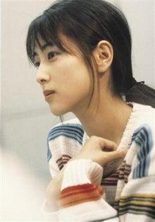顔の肌がきれいな坂井泉水さん