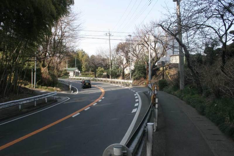 細野城/堀切跡とみられる国道