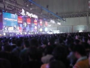 「コジブロ」コナミ小島プロダクション公式ウェブログPowered by Ameba-SCEJAブース左右にめいっぱいのギャラリー