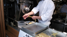 """お店の""""強み""""を活かした""""店内販促""""で客単価を確実にUPさせる!-目の前で麺を作る3"""