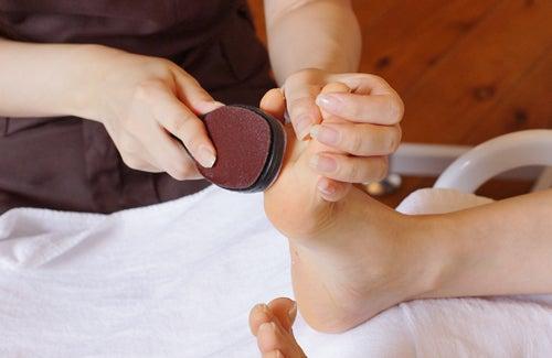 足の角質除去