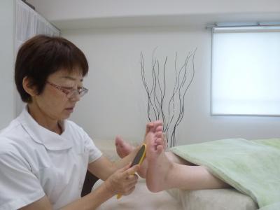 池袋で痛い巻き爪を改善、フットケアでつるつるの感動美足になる専門店