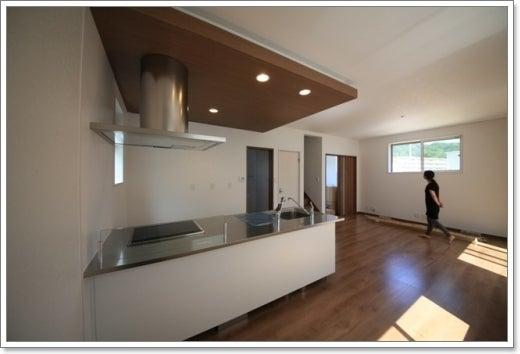 徳島県で家を建てるならサーロジック-ペニンシュラキッチン