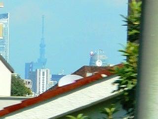プラチナヒルズの片隅で-山手線目黒=恵比寿間で見つけた東京スカイツリー1