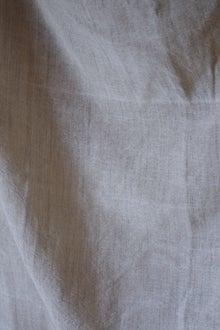 *カンボジアの綿クロマーと赤ちゃん帽子のお店*-きれいなホワイトグレーのショールストール
