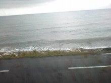 $メイブレラン潟さんのブログ-すぐ下は海