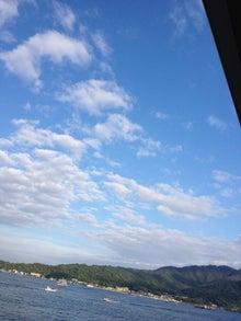 シネマと書店とライブハウス ~ 映画と本と音楽と ~-厳島神社への海上の空
