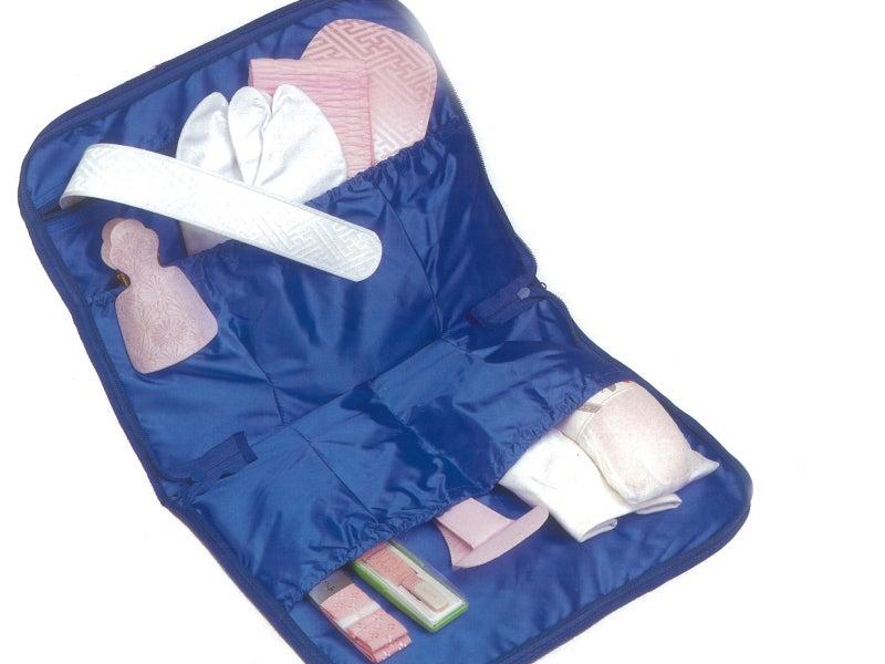 着物を通じ、家族の幸せを。えり正-和装小物収納バッグ