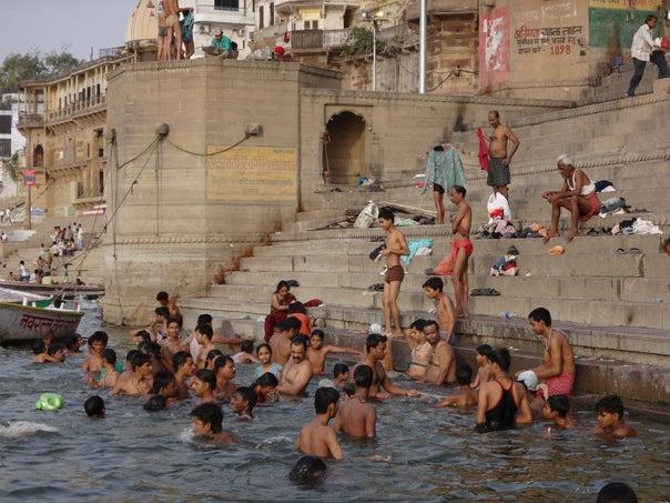 初めてのインド~ガンジス川で見...