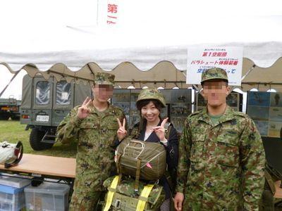 立川駐屯地の防災航空祭でCH-47...