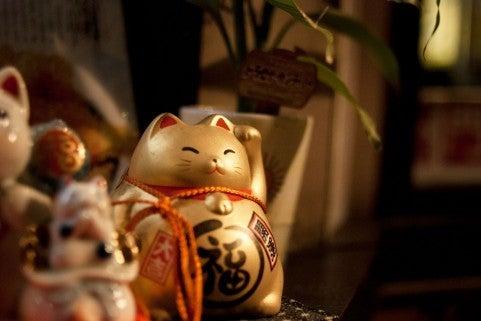 ゴールドの招き猫 画像