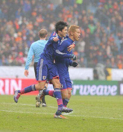内田篤人 本田圭佑 サッカー 日本代表 オランダ 引き分け